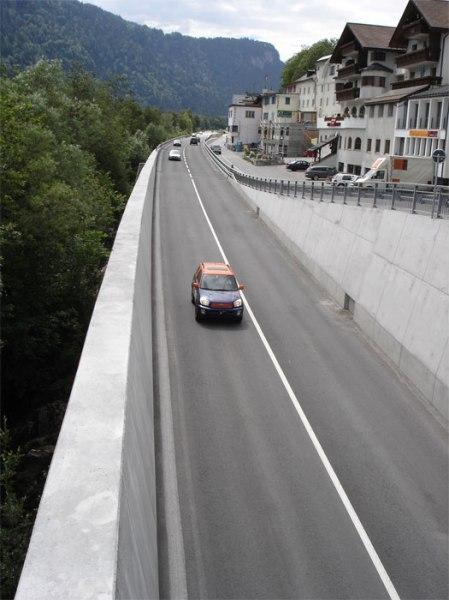 Zivilisation: Möchten Sie im Hotel am Ende der Strasse die Bergferien geniessen?