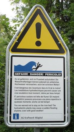 Wenn das Wasser kommt, dann ist dies nicht nur eine Gefahr für den Menschen, sondern v.a. für die Tiere und Pflanzen, die nicht flüchten können.