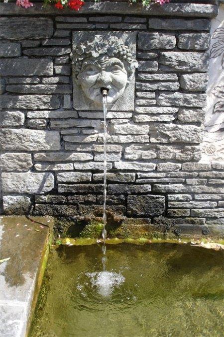 Trinkwasserbrunnen fördern, statt umweltbelastendes Flaschenwasser trinken