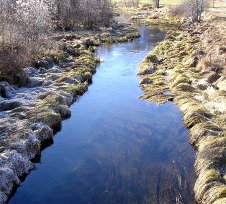 Die praktische Umsetzung des Gewässerraums gemäss Gewässerschutzgesetzgebung wirft viele Fragen auf, auch juristische.