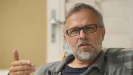 """Alexander Schiebel, Regisseur des Dokumentarfilms """"Das Wunder von Mals"""". Copyright: Web Video Group des Alexander Schiebel"""