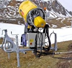Ziel sollte es sein, Schneekanonen gezielt und möglichst naturschonend einzusetzen. Zu beachten ist zudem die Verfügbarkeit von Wasser am jeweiligen Ort.