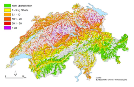 """Überschreitung der kritischen Belastungsgrenze für Stickstoffeinträge, 2010 (<a href=""""http://www.ekl.admin.ch/de/dokumentation/uebersicht/"""" target=""""_blank"""">Eidgenössische Kommission für Lufthygiene 2014</a>). Dargestellt sind alle Ökosysteme, d.h. Wälder, naturnahe Wiesen, Moore. Quelle: <a href=""""https://www.newsd.admin.ch/newsd/message/attachments/47185.pdf"""" target=""""_blank"""">Optionen zur Kompensation der Versauerung von Waldböden und zur Verbesserung der Nährstoffsituation von Wäldern - Darstellung und Bewertung</a>, 15.2.17."""