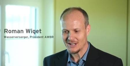 """Roman Wiget, Wasserversorger und Präsident der internationalen <a href=""""http://www.awbr.org/"""" target=""""_blank"""" rel=""""noopener"""">Arbeitsgemeinschaft Wasserwerke Bodensee-Rhein (AWBR)</a>, ist besorgt um das Trinkwasser ... Copyright: Pro Natura."""