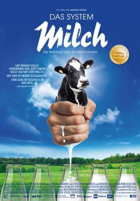 """""""Mit reiner Gülle verdienen wir jetzt mehr Geld als mit der Milch, Mit der Scheisse sozusagen. Und das ist eigentlich ein Witz."""" Milchbauer Deutschland. Der Film DAS SYSTEM MILCH ist ab 21.9.17 in Deutschland im Kino zu sehen und als DVD oder digital erhältlich. Copyright: Tiberius Film GmbH."""