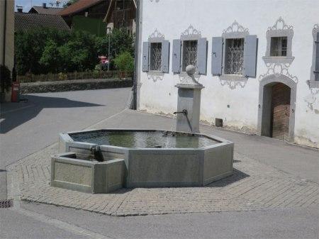 Damit auch in Zukunft sauberes Wasser aus dem Hahnen fliesst: Unterschreiben Sie die Trinkwasser-Initiative!
