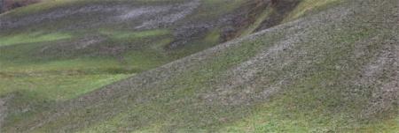 Austrag von Gülle in hohem Bogen durch die Luft, Bergzone III, 25. November 2017. Copyright: Manu.