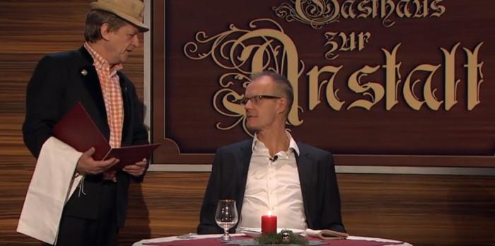 """In der ZDF-Politsatire """"Die Anstalt"""" vom 18.12.18 wird der Ernährungskosmos genau unter die Lupe genommen. Dabei kredenzt das Anstaltsensemble satirisches Superfood mit Biss. Copyright: ZDF."""