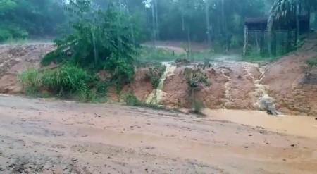 Erosion verschmutzt (Trinkwasser-)Bäche.