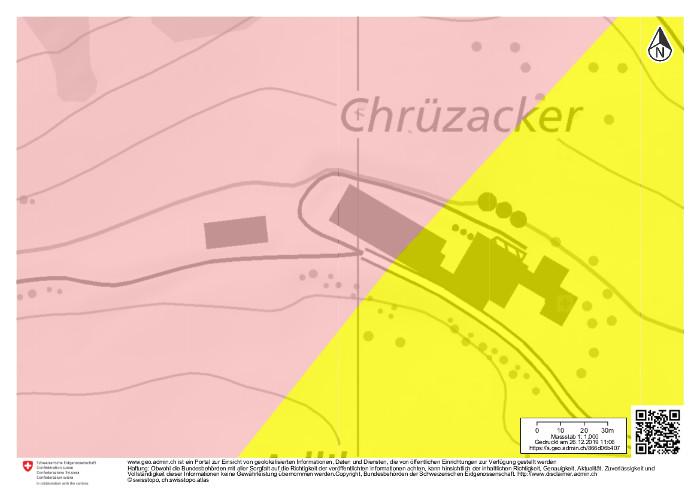 Neueste Karte: 3 kleine und 3 grosse Silos sind eingezeichnet sowie eine neue Remise. Legende: rosa = Karstgebiet, gelb = Schutthang.