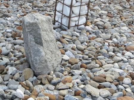 Heidi liebt Steine, etwa Geröllhalden, aber pflegeleichte Steingarten-Einöden sind ihr ein Gräuel.