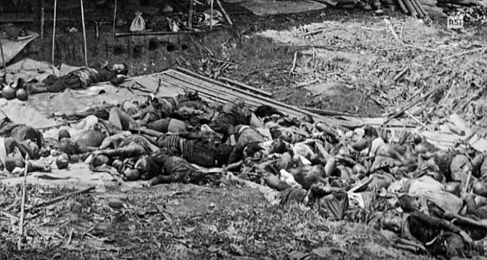 Kinder, Frauen, Männer - ganze indonesische Dörfer wurden zerstört, die Bewohner getötet. Copyright: RSI