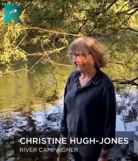 Immer mehr Leute wehren sich gegen die Verschmutzung der Flüsse und die Untätigkeit der Behörden. Aus dem Film Rivercide von George Monbiot.
